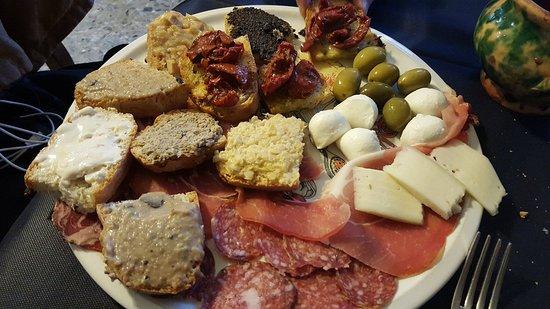 Ficulle, Italy: Antipasto Misto