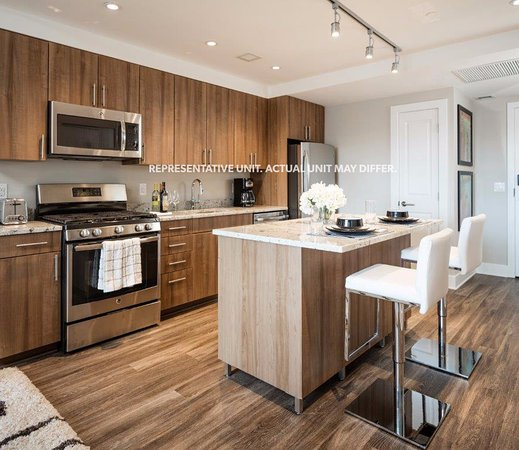 Prices & Hotel Reviews (Arlington, VA