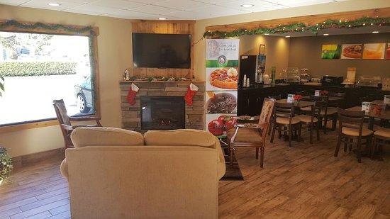 Quality Inn Alpine Helen: Lobby