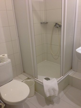 Vilnius City Hotel: Shower