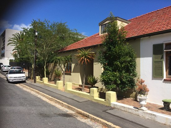 Bantry Bay Guesthouse: Quite and peaceful location