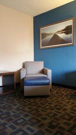 Benton Harbor, MI: Sitting area
