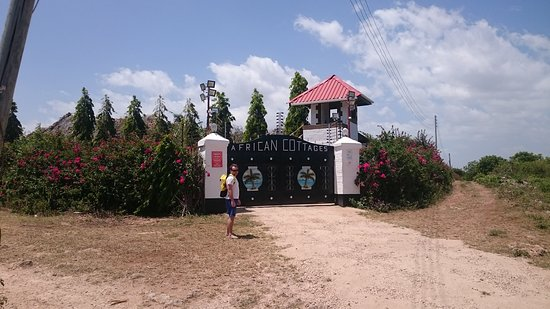 African Dream Cottages: DSC_0063_6_large.jpg