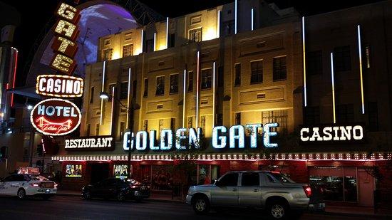 Du-Par's Restaurant and Bakery: Golden Gate Hotel and Casino