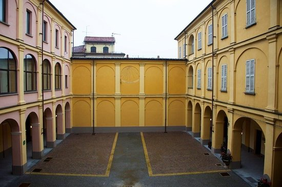 Tortona, Ιταλία: Il cortile del Museo (ex seminario diocesano)