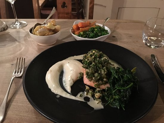 The Riverside Inn & Restaurant: Delicious smoked trout