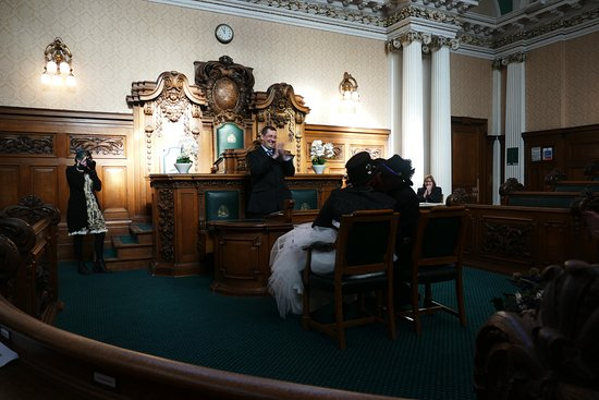 Stockport Metropolitan Borough Council, Town Hall: the focal point of the Council Chambers