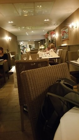 Petit Maxim: Small part of the dinning room