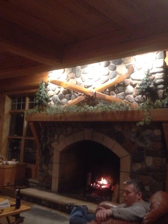 Beaver Bay, MN: Every thing was great.We went down both nights for dinner and had great service and food.we will
