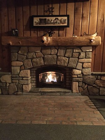 Walhalla, MI: Warming Fire Place