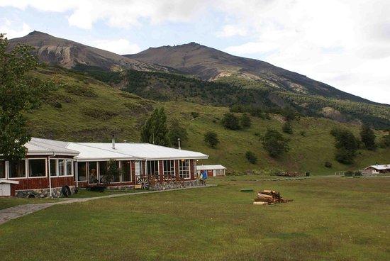 Las Torres Patagonia: View of sitting area & restaurant