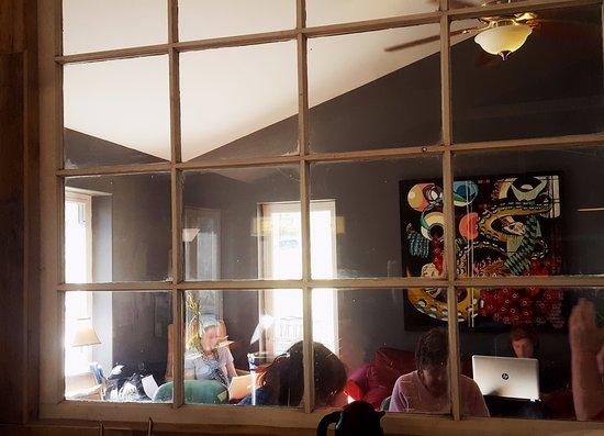 Fairview, Caroline du Nord : Cozy dining area
