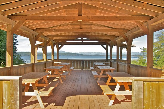 Alert Bay, Canada: Great Pavilion to enjoy the ocean and mountian view