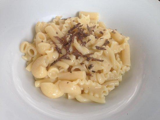 Tenuta Antica Braceria : Pasta e patate con tartufo.