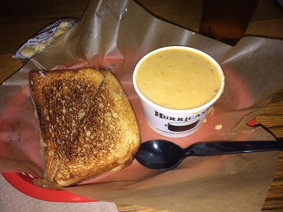 Бетесда, Мэриленд: Lobster Grilled Cheese Sandwich and Lobster Bisque