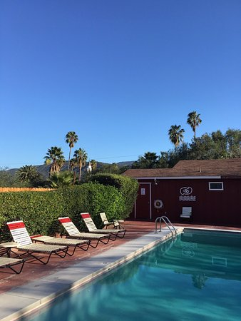 Ojai Rancho Inn: The Pool area