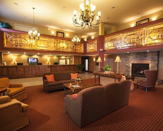 Pittsfield, MA: Main Lobby/Reception Area