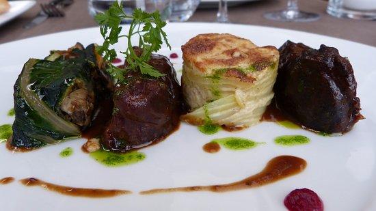 La Maison de Celou : Plat de viande en sauce et accompagnements