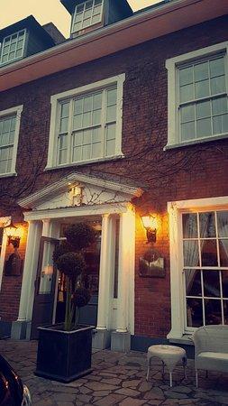 Hayfield Manor Hotel: Snapchat-468885120_large.jpg