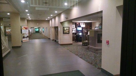 Rock Island, IL: Lobby