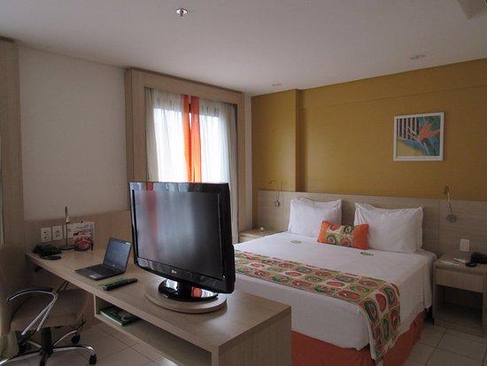 Quality Hotel Manaus: Acogedora y cómoda habitación