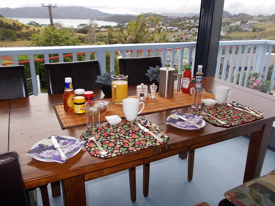 ‪‪Mangonui‬, نيوزيلندا: Part of our breakfast area with views of Coopers Beach‬