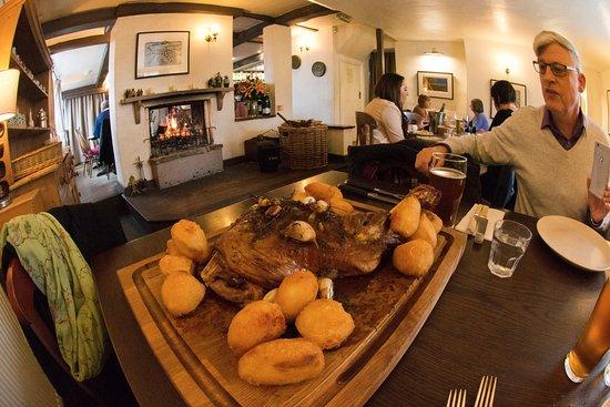 Oare, UK: Fabulous pub lunch experience