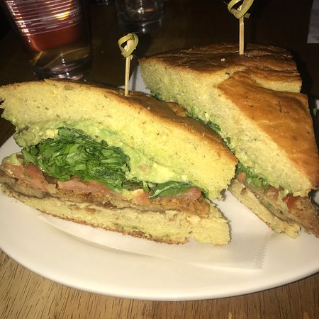 Peacefood Cafe: Just wonderful flavorful dining