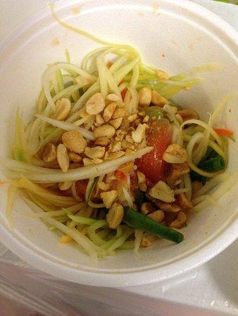 Junjira Fresh Thai Kitchen: Green papaya salad