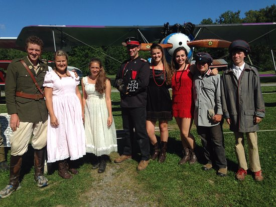 Red Hook, NY: Sir Percy Goodfellow, Trudy Truelove, The evil Baron and his henchmen!