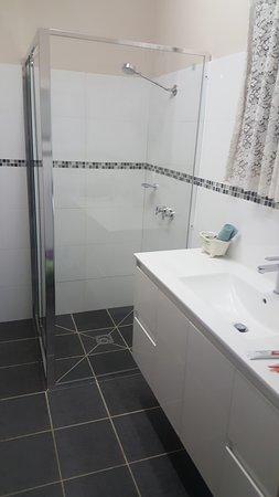 Stawell, Australia: new bathroom