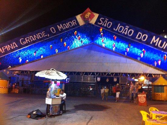 Campina Grande, PB: Foto do palco principal de festas de São João.