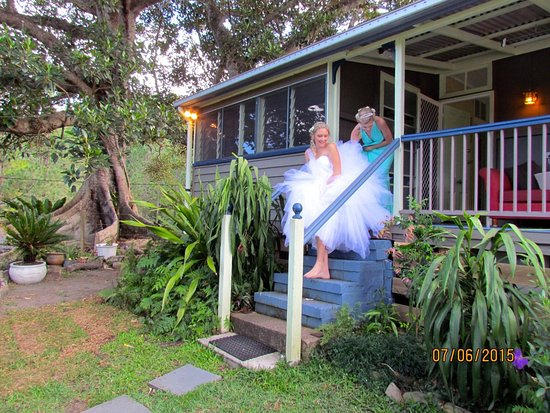 Tallebudgera, Australia: HISTORICAL SETTLERS COTTAGE is Popular for Weddings.