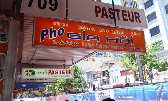 Pho Gia Hoi: Street Sign