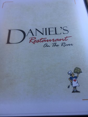 Daniel's Restaurant on the River: Great burgers