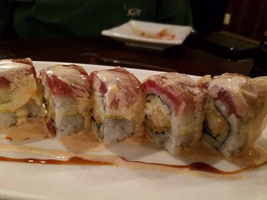 Wasabi: Lemon Tuna Sushi Roll