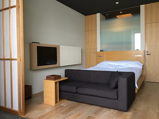 Hotel Kanra Kyoto: A view into the Annex Double Room—note the shoji screen, which allows separation w/o blocking li