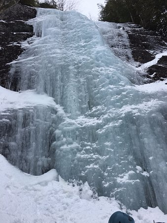 Elizabethtown, NY: Ice climbing at Chapel Pond