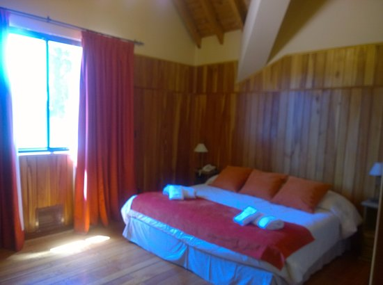 Hotel Fazenda Carioca: cama muy amplia