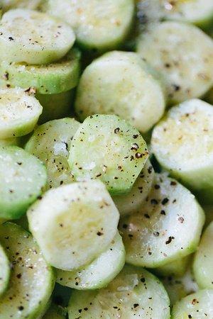 Wainscott, NY: Cucumbers