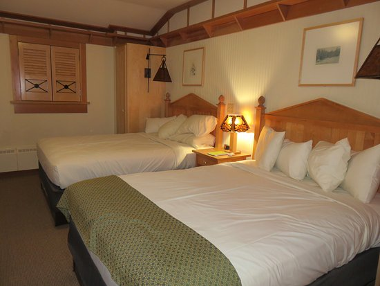 Old Faithful Snow Lodge and Cabins: Bedroom