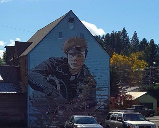Roslyn, Вашингтон: James Dean Mural on side of Building