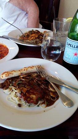 Napolis Italian Cafe : Yummmm veal and chicken marsala