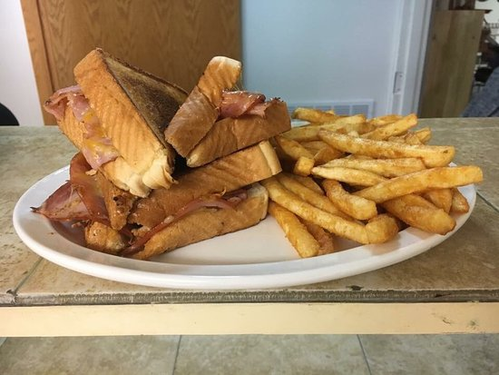 Plainview, NE: The Post Cafe