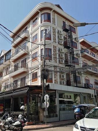 Lao Silk Hotel: โรงแรมลาวซิลค์