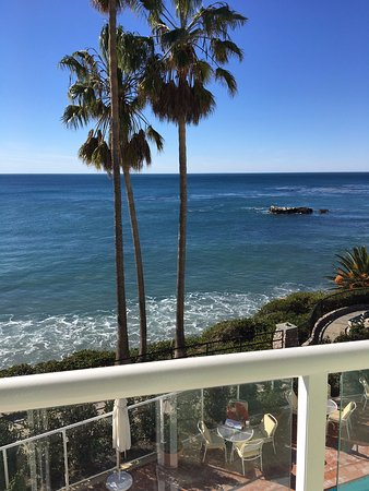 The Inn At Laguna Beach: The view from our room of the ocean.