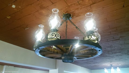 Hotel Chichen Itza: only in Mexico could a light fitting be this cool