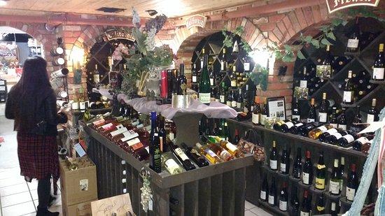 Solvang, CA: Vinoteca con vinos daneses, holadeses
