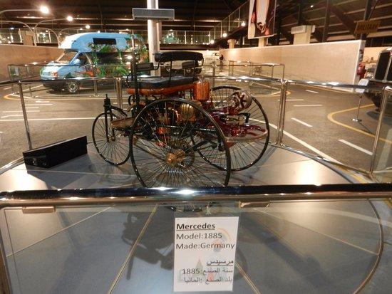 Emirates National Auto Museum : Mercedes, 1885.
