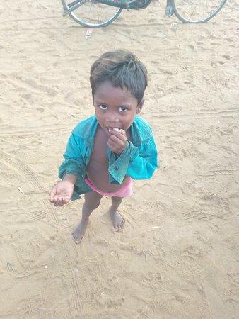 Mypadu Beach: Cute boy welcomed us to the beach